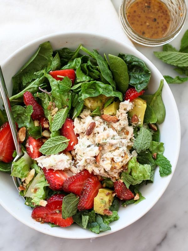 Strawberry-and-Avocado-Salad-with-Tuna-9