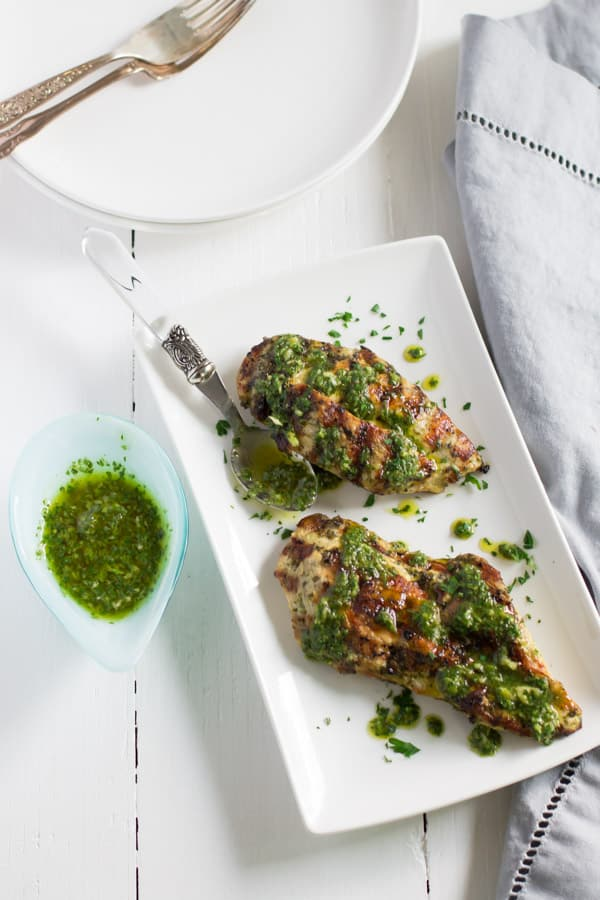 Grilled Chicken Chimichurri Recipe - This Grilled Chicken Chimichurri is definitely the easiest weeknight meal you can make. It's fresh, flavourful, gluten-free, paleo and low-carb too.