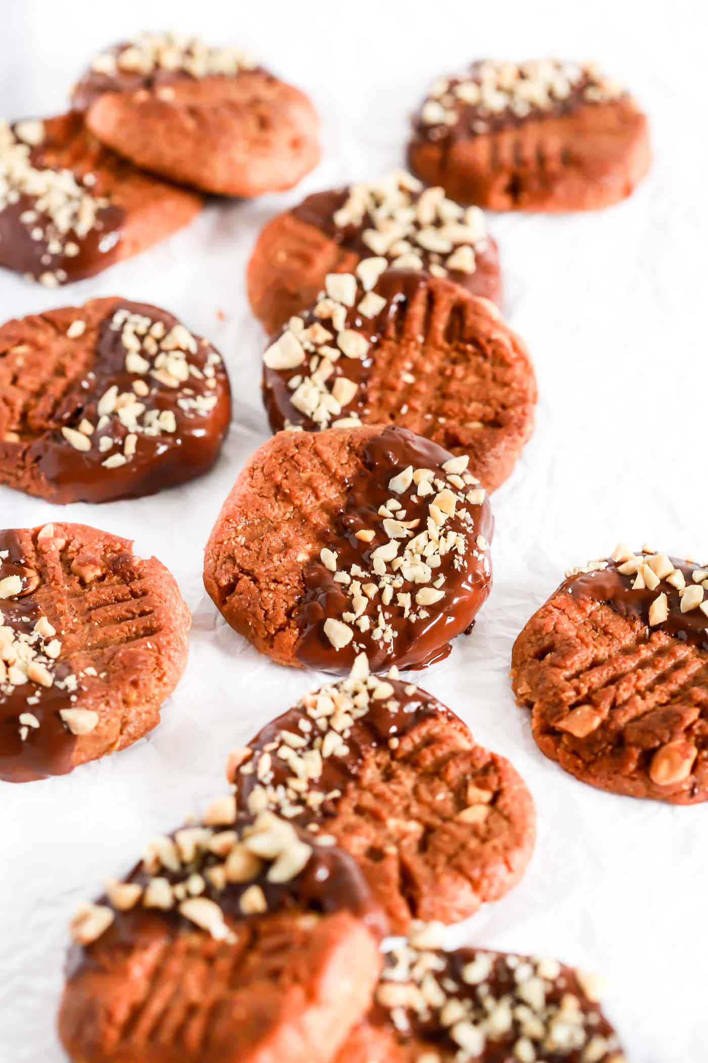 Low-Carb Peanut Butter Cookies - Primavera Kitchen