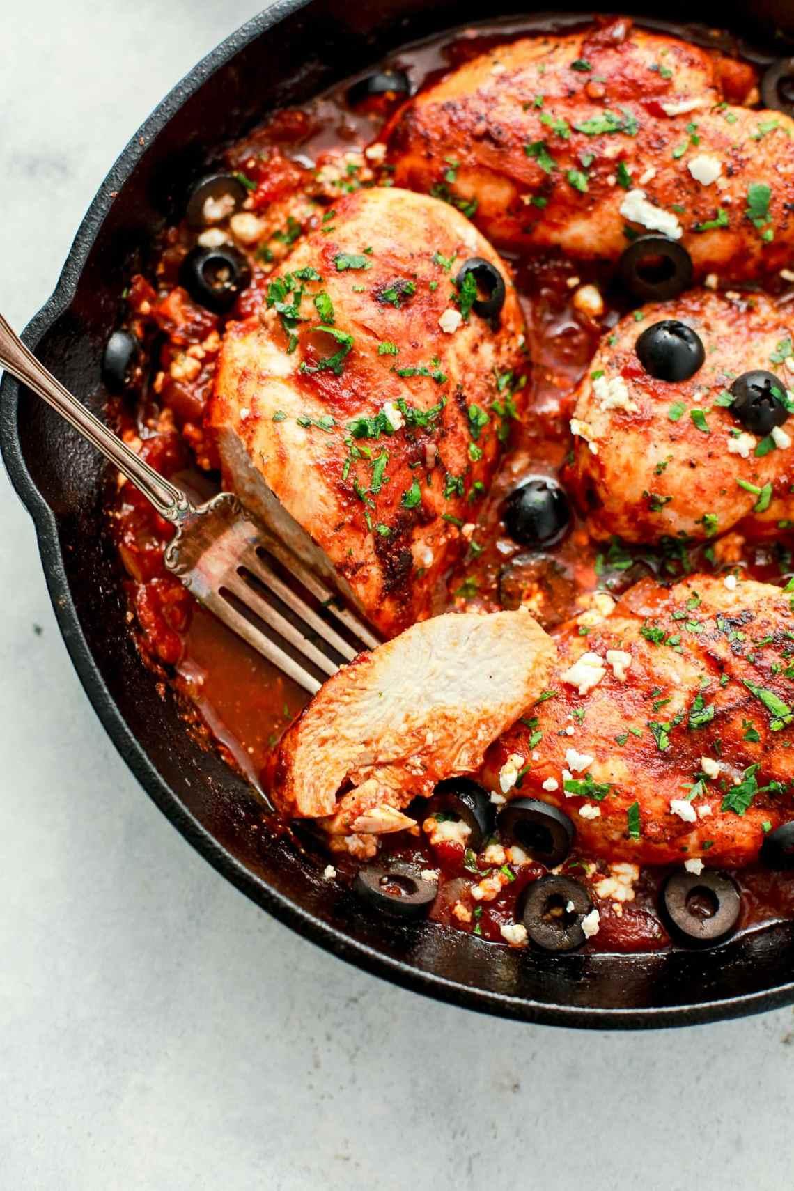 Mediterranean Chicken Skillet Recipe - Primavera Kitchen