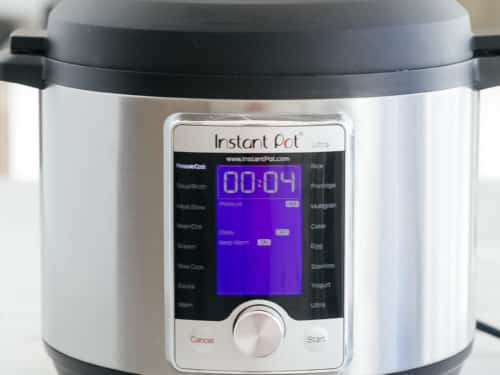 Instant Pot set to pressure cook for four minutes.