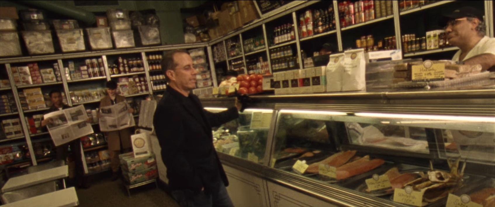 Jonah Hill dirigeix a Jerry Seinfeld en el vídeo de 'Sunflower' de Vampire Weekend