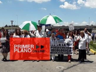Nora Cortiñas, referente de Madres de Plaza de Mayo Línea Fundadora, también se sumó a la movilización pese al intenso calor en el mediodía