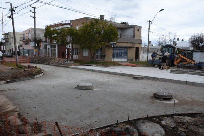 Obras en calle Bergamini