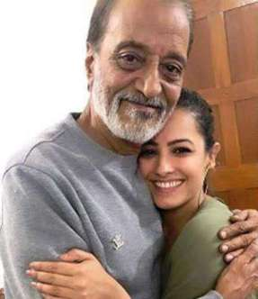 Anita Hassanandani With Her Father