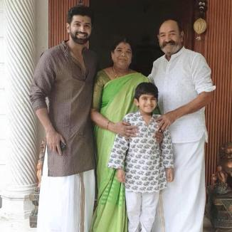 Arun Vijay With His Father And Mother