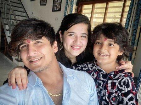 Bhavin Bhanushali With His Sister