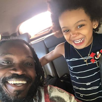 Chris Gayle With His Daughter