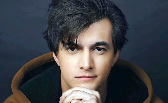 Mohsin Khan (Kartik) Biography, Height, Age, TV Serials, Wife, Family, Salary, Net Worth, Awards, Photos, Facts & More