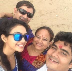 Pooja Banerjee With Her Family
