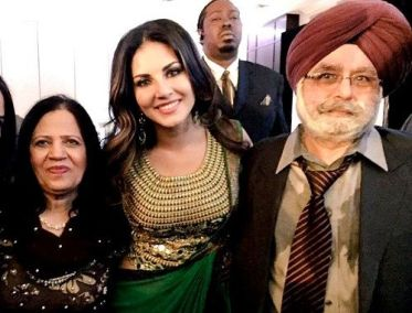 Sunny Leone With Her Father And Mother