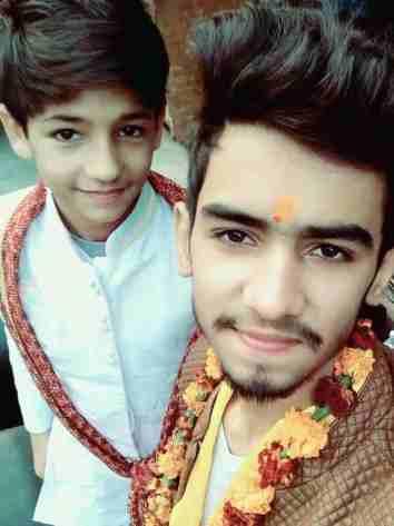 Tarun Kinra With His Brother