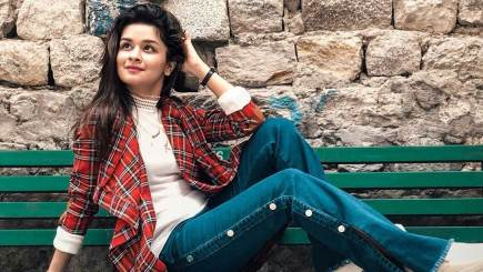 Avneet Kaur Biography, Height, Weight, Age, Instagram, Boyfriend, Family, Affairs, Salary, Net Worth, Facts & More