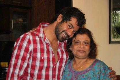 Shabbir Ahluwalia With His Mother
