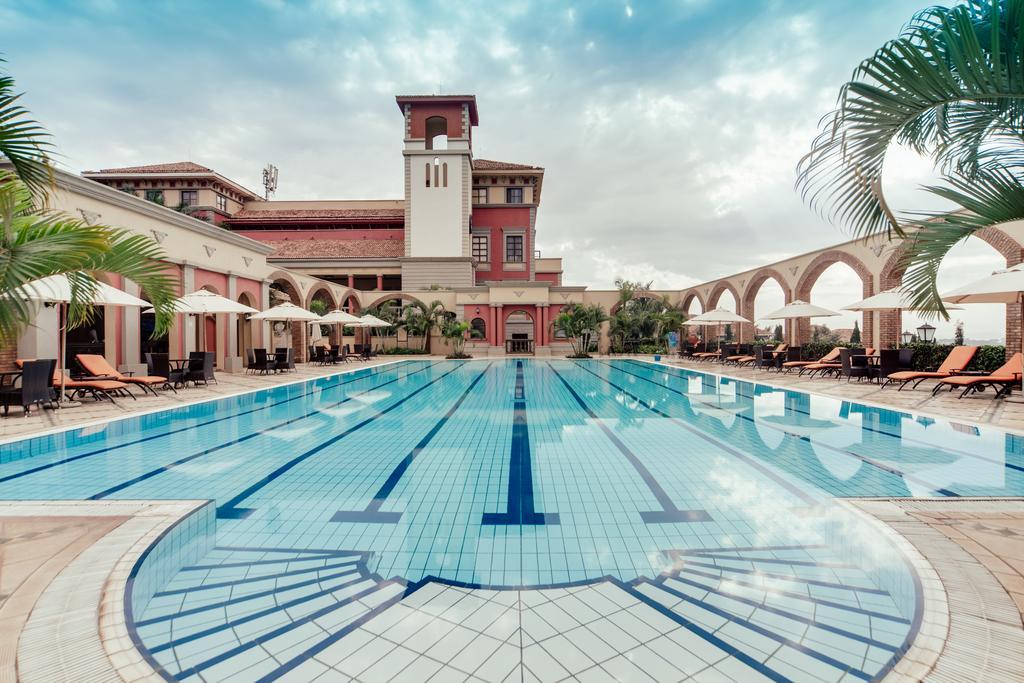 Lake Victoria Serena hotel for a safari in uganda accommodation
