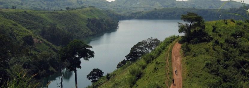 fortportal-craterlake- uganda safari
