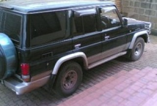 ordinary-landcruiser-for-hire-in-uganda