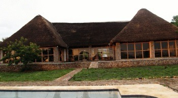 safaris to uganda - ihaba lodge