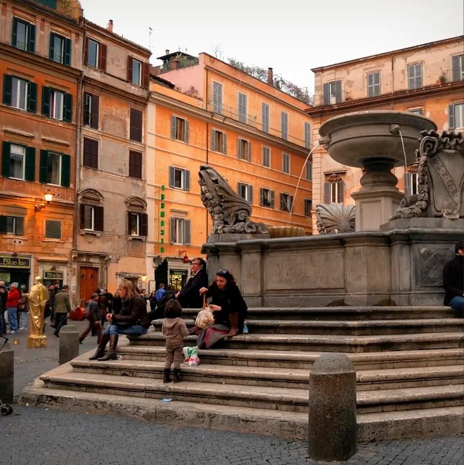 siena palona, Zatybrze, Trastevere, Santa Maria di Trastevere, passeggiata, rzymskie fontanny, zwiedzanie Rzymu