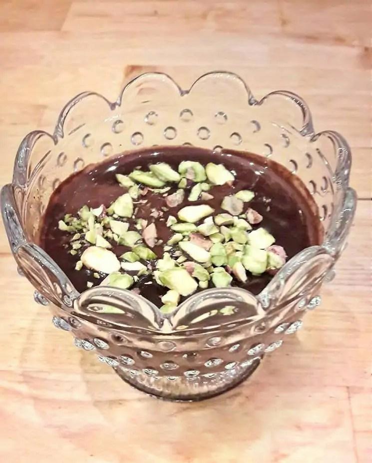 panna cotta, panna cotta przepis, pistacje, przepisy z pistacjami, kuchnia włoska, włoskie przepisy, włoskie desery, czekolada przepisy, czekoladowy deser