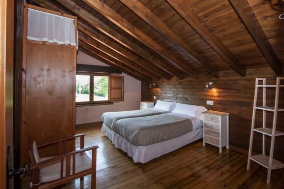 dormitorio-dos-camas-planta-superior-1