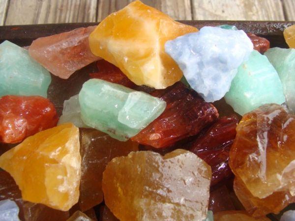 Mixed calcite healing stones