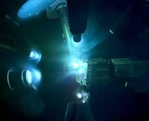 Ultrahigh-pressure laser