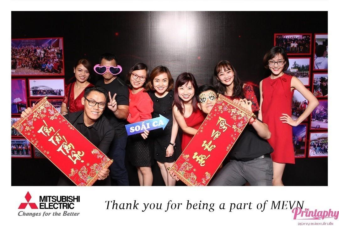 Tổ chức tiệc cuối năm, tiệc tất niên với dịch vụ chụp ảnh Printaphy Photobooth