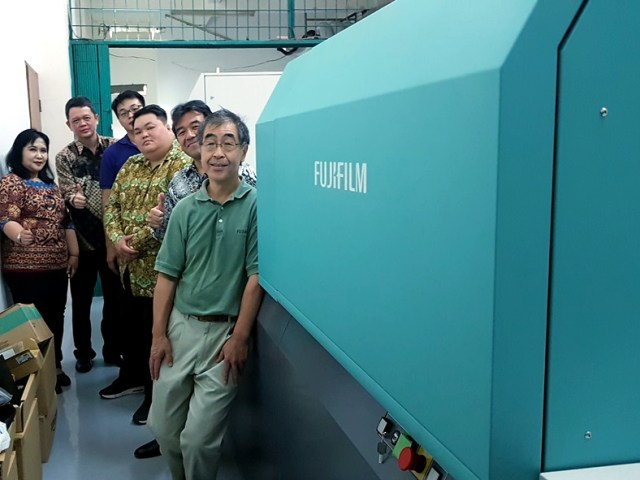 The first Installation of FUJIFILM JETPRESS 720S in Indonesia