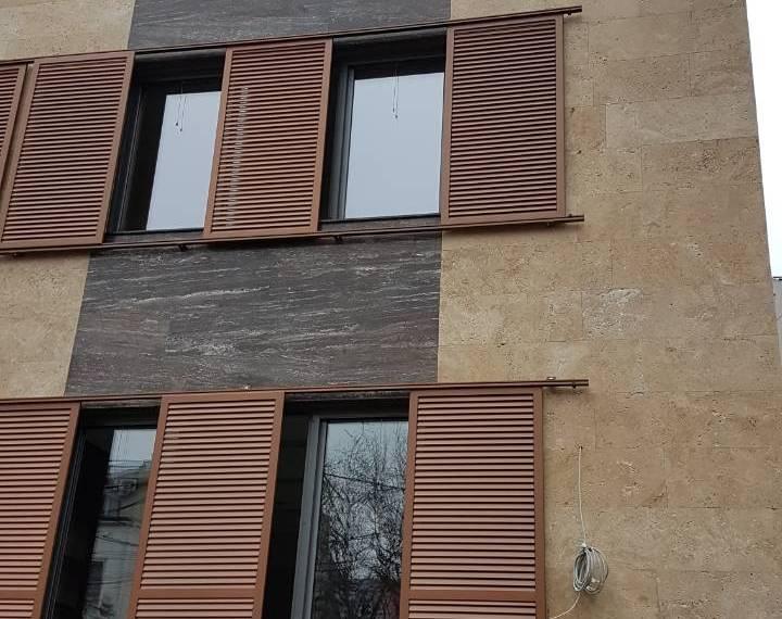 prirodni kamen travertin fasada