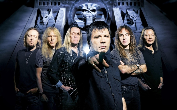main_iron_maiden_band_members_look_pyramid_2072_3840x2400