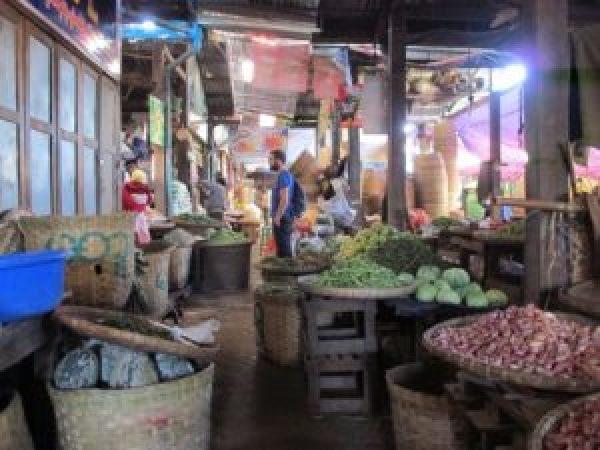 Auténtico mercado central de Pyin Oo Lwin.