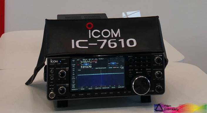 Icom IC-7610 Radio dust cover by DXCovers ( Prism Embroidery )