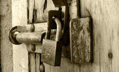 Lock-up zakaz sprzedaży udziałów. Mariusz Malec PEC