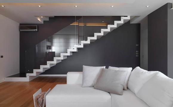 un escalier dans le salon estimations