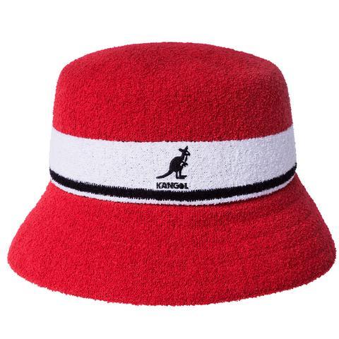 Il y a peu de chapeaux qui reproduisent l'attrait sexy et élégant d'un chapeau de seau Kangol.  Porté par des stars du rap et des jeunes citadins, c'est un choix élégant et frais pour élever votre jeu.