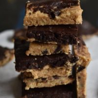 chocolate chips oats No bake energy bars , vegan