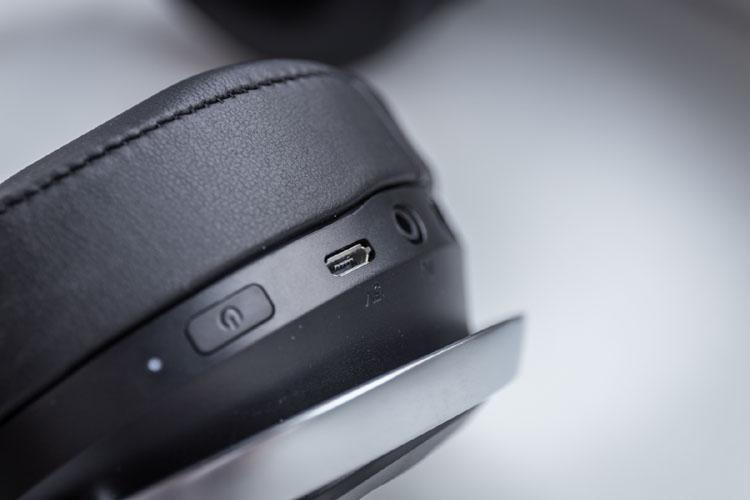 lucidsound ls30 controls