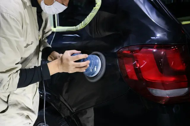 BMWX5 研磨作業