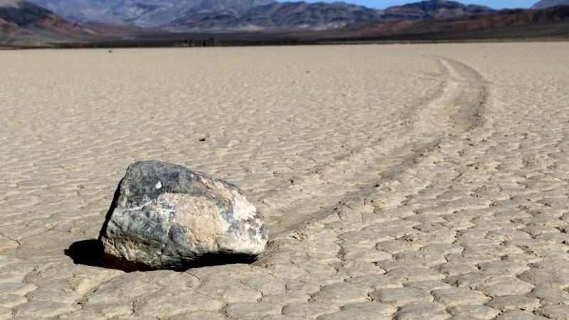 Долина движущихся камней: разгадка, карта, описание