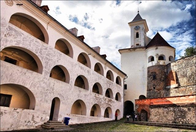 замок Паланок Закарпатье Мукачево