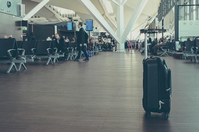 Как не потерять вещи при перелете и что делать, если багаж не прилетел?