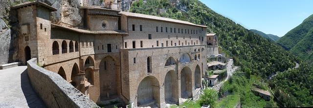 Апеннины: горы, Италия
