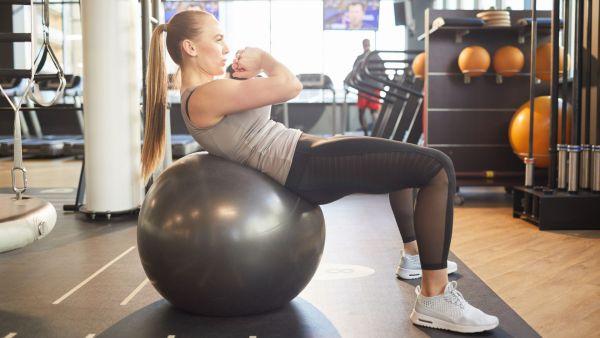 Träning med pilatesboll