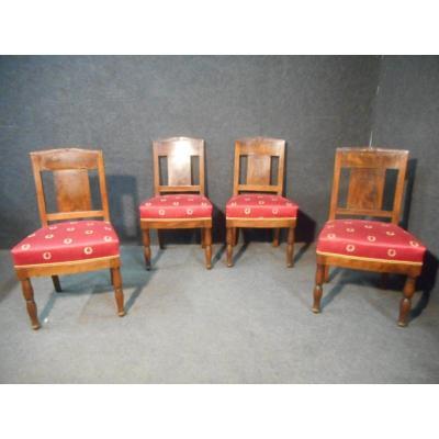 chaise ancienne tabouret ancien sur