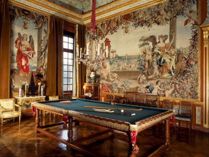 Salle de billard (c) Château champ de Bataille.