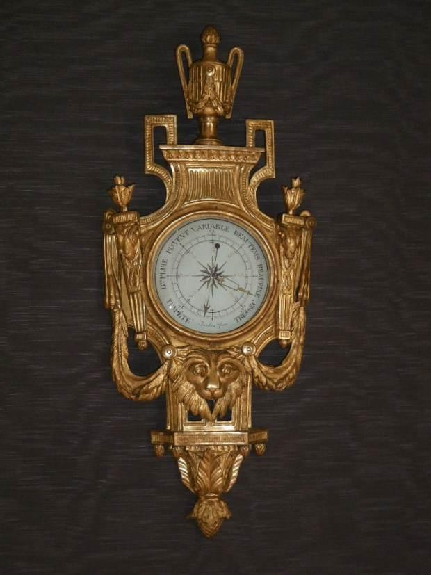 Baromètre Bois Doré époque Louis XVI, inspirée de modèles dessinés par Jean-Charles Delafosse. (c) Michel-Witold GIERZOD, Proantic