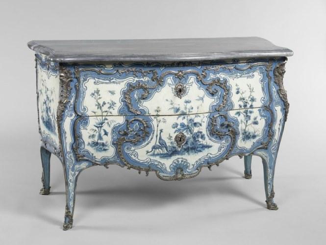 Commode de la chambre bleue de Madame de Mailly au château de Choisy. Paris, 1742. Mathieu Criaerd