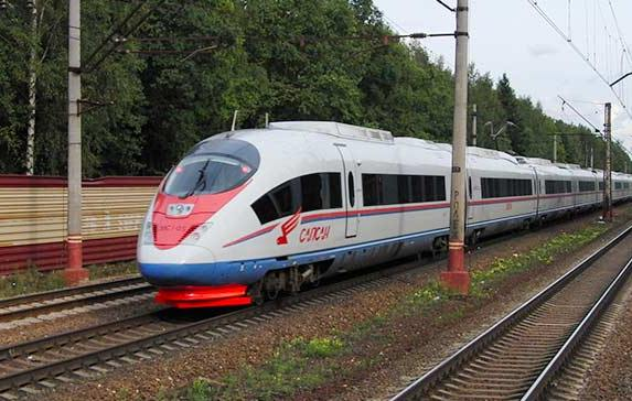 Travel on the Sleeper Train from St. Petersburg to Moscow Russia