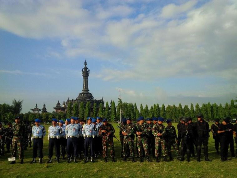 Personel TNI-Polri apel pasukan pengamanan Obama selama di Bali